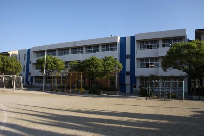沖代小学校